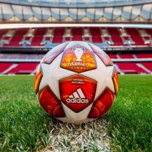 УЕФА представил официальный мяч плей-офф Лиги чемпионов сезона-2018/19