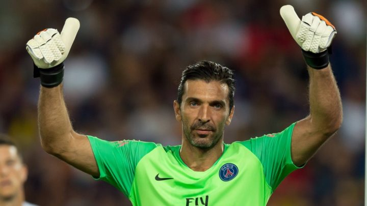 Буффон —  сыграл 50 сухих матчей в Лиге чемпионов