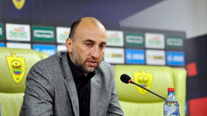 «Анжи» не принял заявление Адиева об отставке