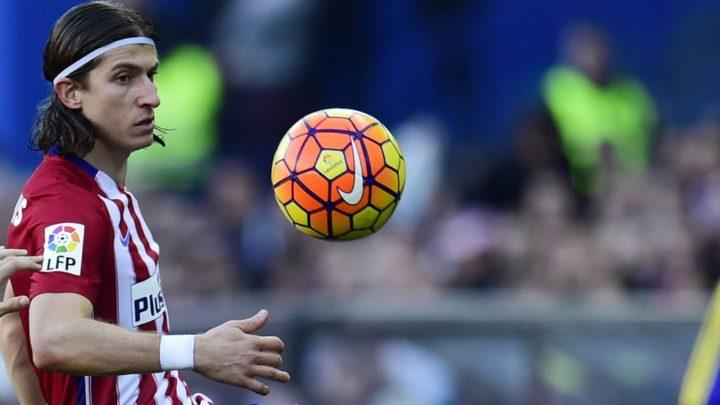 «Боруссия» и «Барселона» сразятся за Филипе Луиса