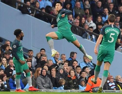 «Тоттенхэм» и «Ливерпуль»  выходят в полуфинал лиги чемпионов