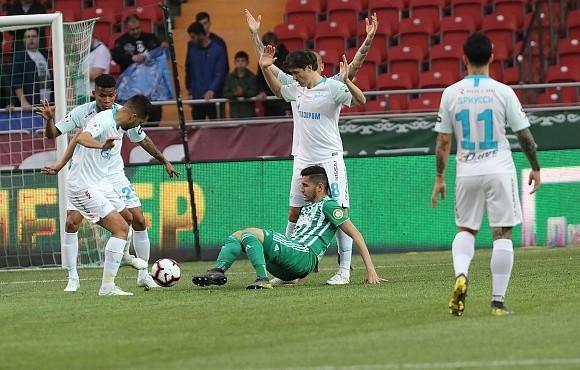 Зенит вырвал ничью в матче против Ахмата